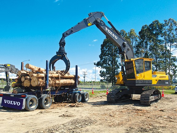 Forestry: new Volvo FC250DL carrier