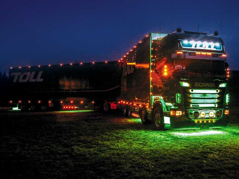 Truck feature: Scania V8 R730