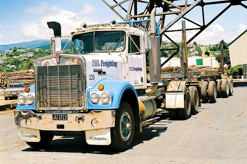 Old school trucks: TNL Freighting part 1