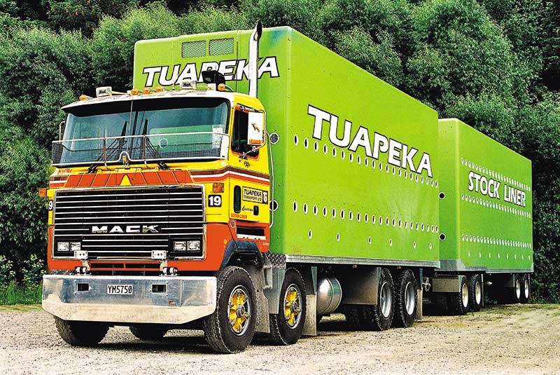 Old school trucks: Tuapeka Transport