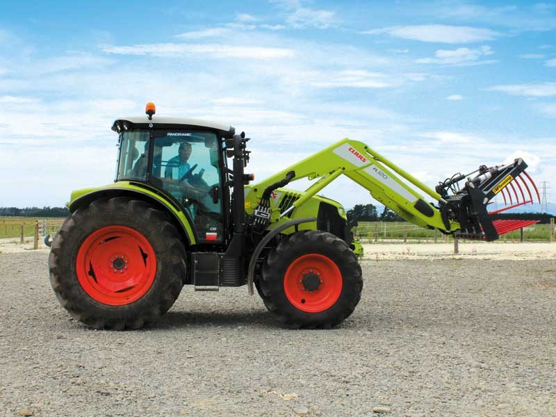Loading up with the Claas Arion 460
