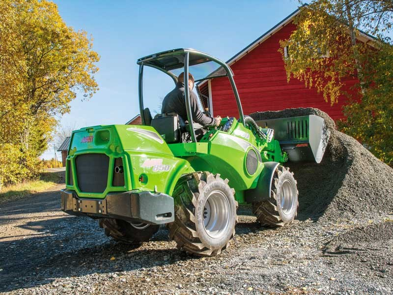 New launch avant loader 800 series