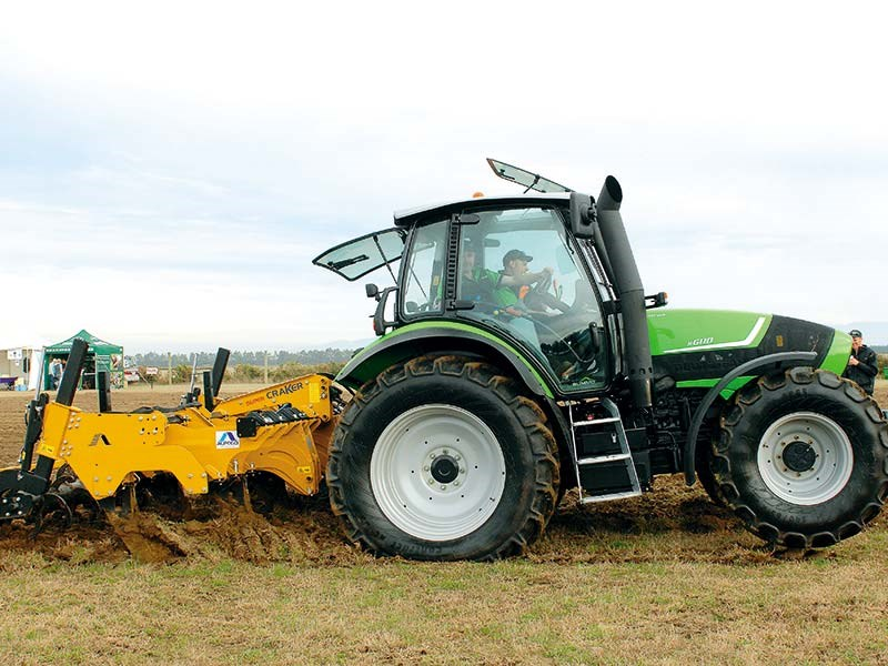 Top Tractor Shoot Out: Deutz Fahr M600 Summit