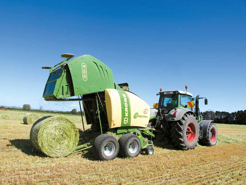 Foley Agri: two thumbs up for Krone Comprima baler