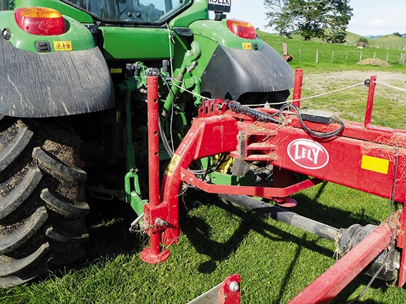 Review: Lely Hibiscus 725 CD Master Rake