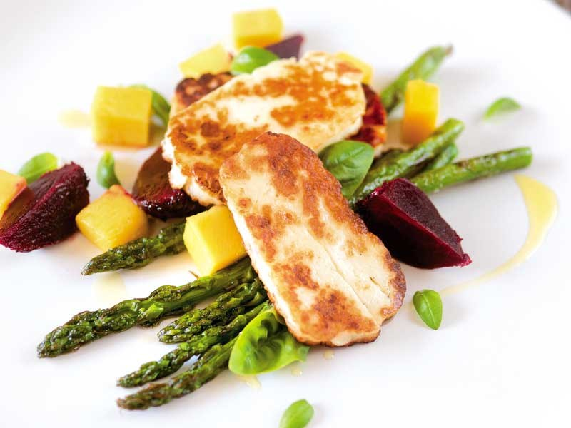 Fried halloumi and chargrilled asparagus
