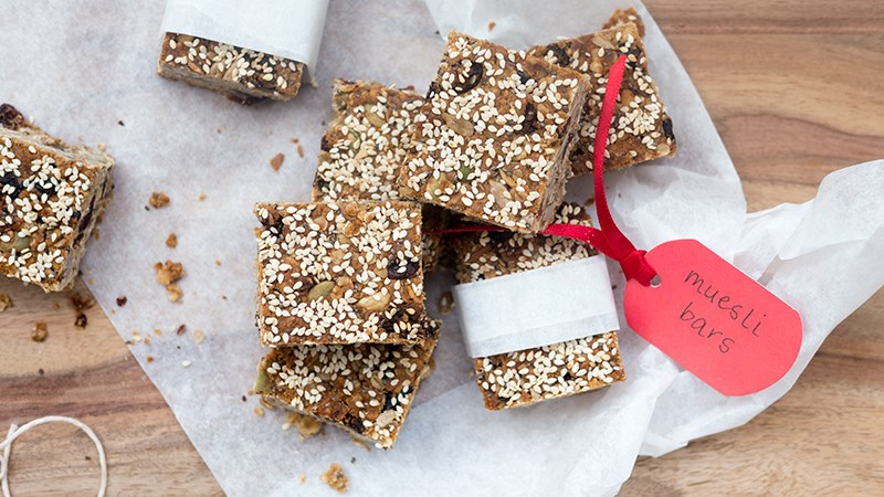 Get-on-your-bike muesli slice