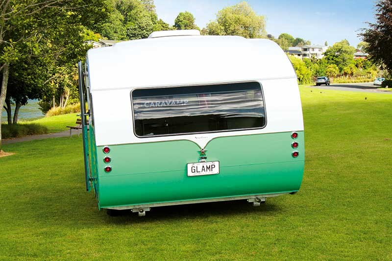 Retro-modern: Starliner Evolution 2016 caravan
