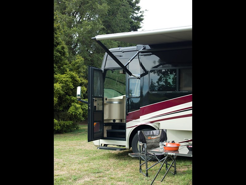 Motorhome profile: Tiffin 2015 Allegro Breeze 32BR