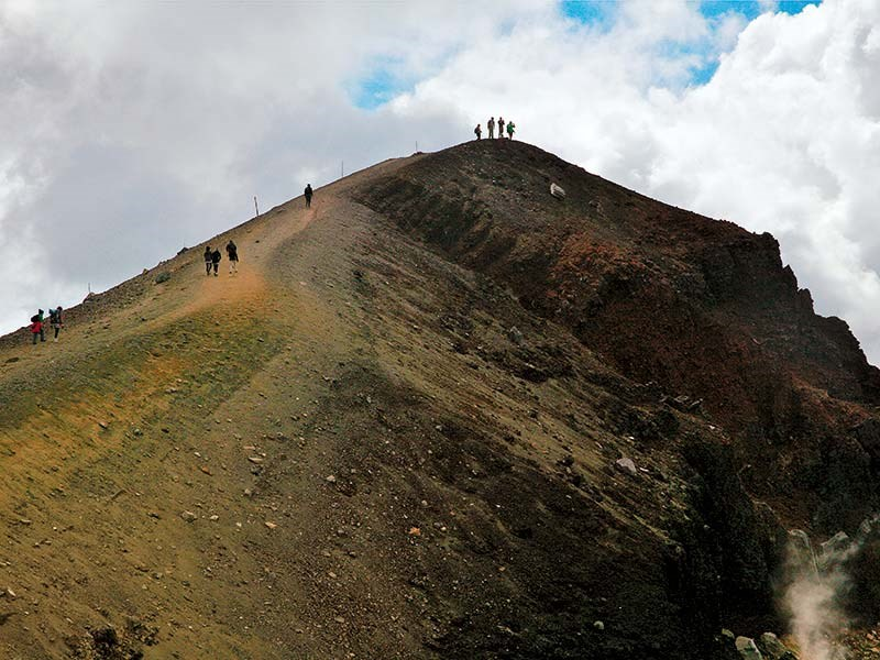 Warrior Mountains: the Tongariro Crossing