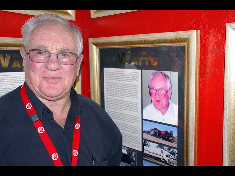 Hall of Fame IMGP9818 Brian Watts and his plaque on the Shell Rimula Wall of Fame