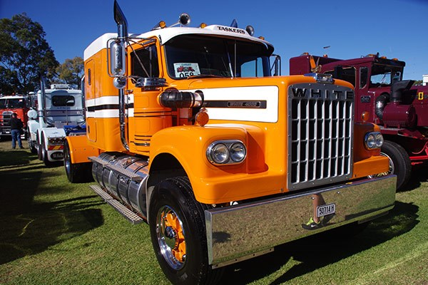 Excellent paint job on Tasker's White 4000.