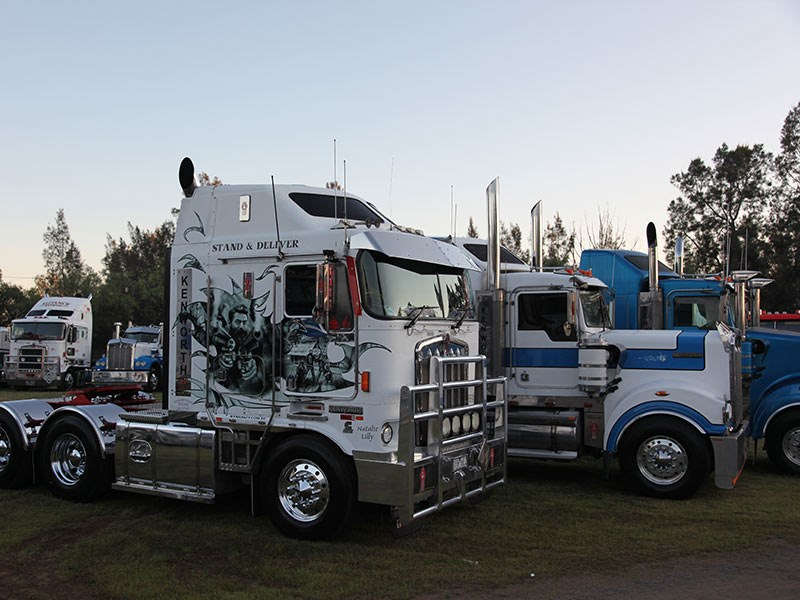 Stunning graphics on Nick Albury's Kenworth K104.