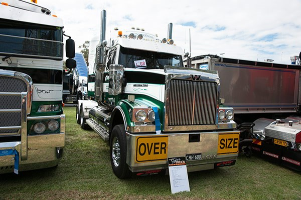 An Excellence Award was handed to Carter Heavy Haulage & Transport for its Cummins-powered Western Star 4900.