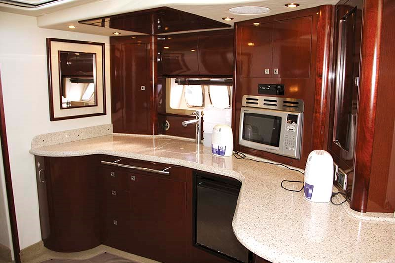 2008 Sea Ray 440 Sport galley