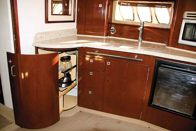 2008 Sea Ray 440 Sport kitchen area