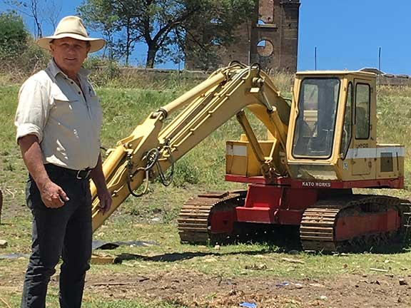 Ron Horner and Kato 550G excavator
