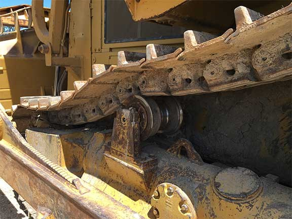 Cat D8R dozer tracks
