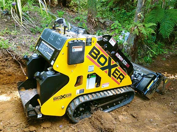 Boxer 525DX compact track loader tracks extended