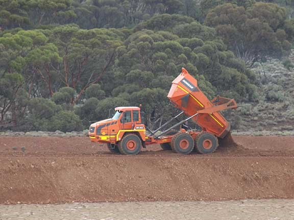 Doosan DA40 articulated dump truck tipping load