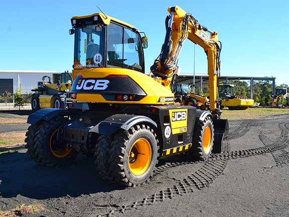 JCB Hydradig rear view