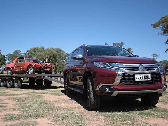 Mitsubishi pajero sport towing review