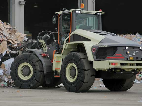 Volvo LX1 diesel electric hybrid wheel loader