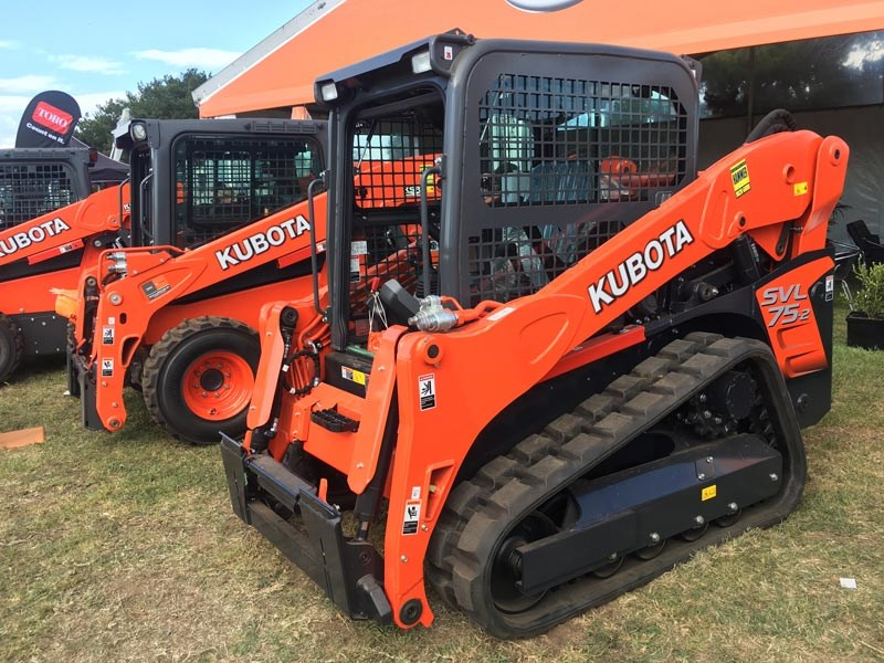 The Kubota SVL75-2 is powered by a 74hp Kubota engine, and has a 2814kg bucket breakout force and 2214kg lifting capacity