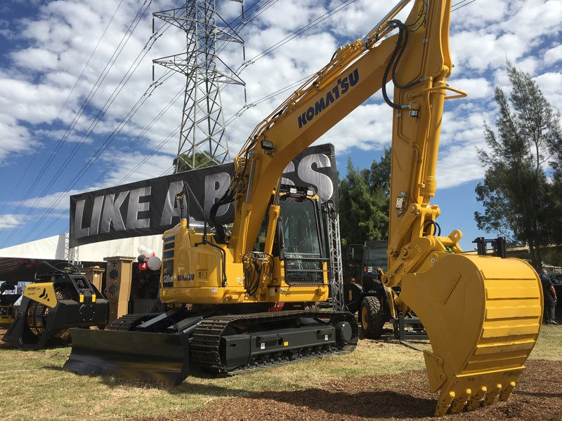 The Komatsu PC138US-8 hydraulic excavator has an ultra-short tail swing for work in confined areas