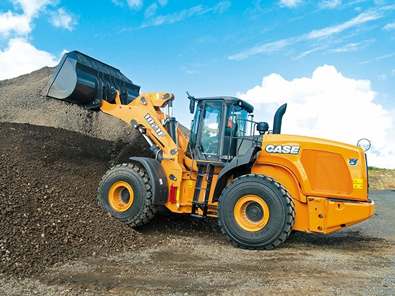 The Case 1021F wheel loader weighs in at around 24 tonnes.