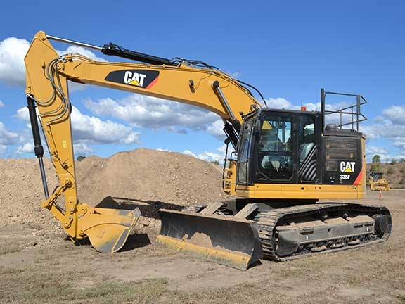 The Cat 335F L CR excavator is a 37-tonner with a decent blade attached.