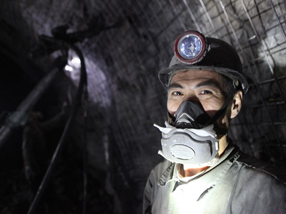 Chinese coal miner. Photo: Sadik Gulec / Shutterstock.com