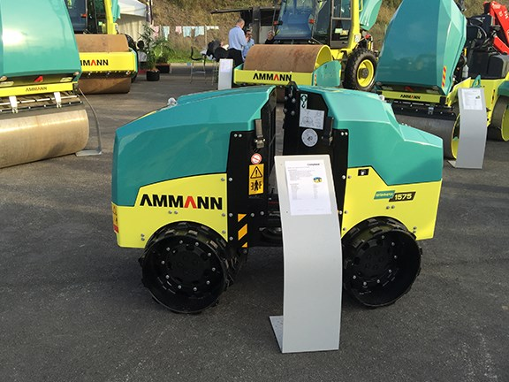 The Ammann RX1575ci self-propelled articulated trench roller from Conplant can be operated from the machine itself or via remote control.