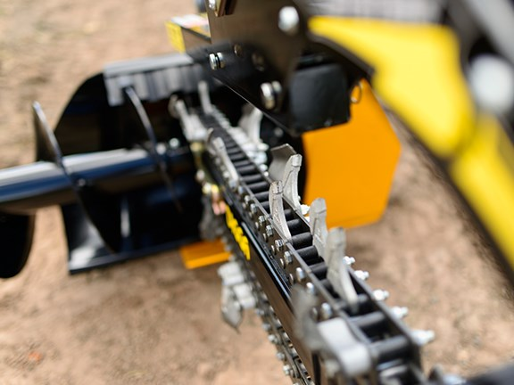 Three optional chains are available for totally different soil conditions.