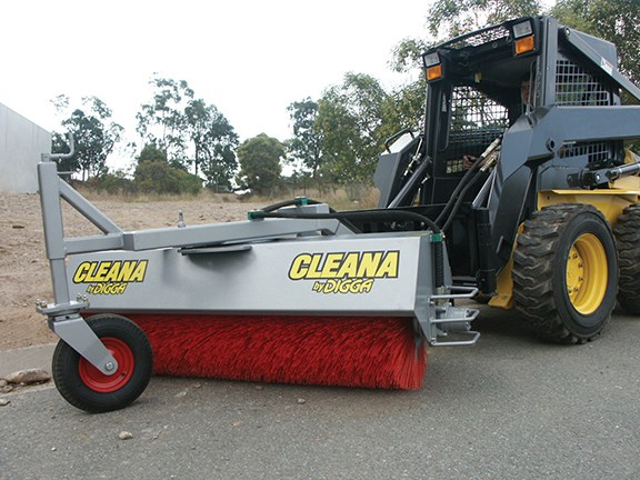 The Digga Cleana Angle Broom