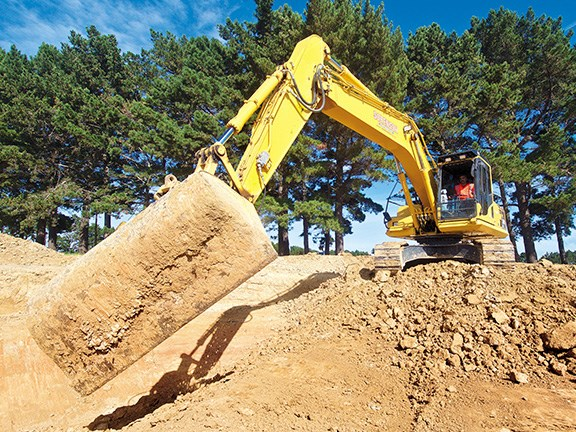 Randolph Covich gets to grips with the Komatsu PC200LC-8MO excavator.