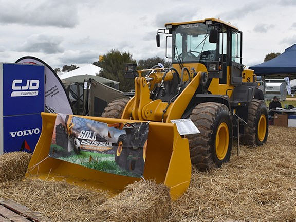CJD brings in SDLG wheel loaders in sizes ranging from 6.2 tonnes to 23.5 tonnes. The LG948L pictured is a 13.1-tonner aimed primarily at the agriculture sector.
