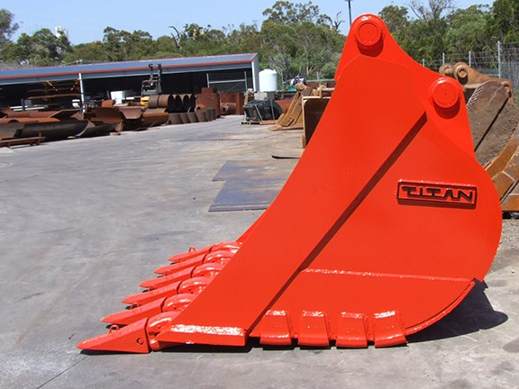 One of the Shawx Manufacturing buckets.