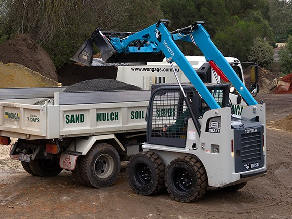 Wonga Garden and Building Supplies' new Toyota Huski 5SDK-8 skid steer loader