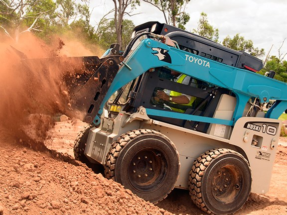 Ron Horner gets to grips with the Toyota Huski 5SDK10 skid-steer loader.