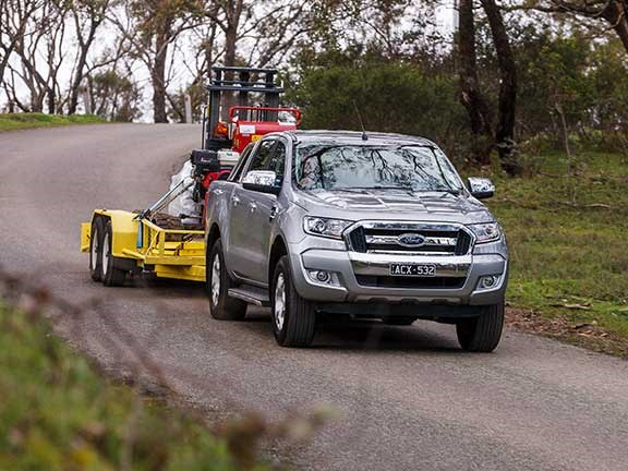 Ford Ranger ute towing tools downhill