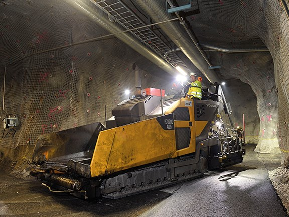 The Volvo CE P7820C tracked paver has been extensively modified for its mine work.