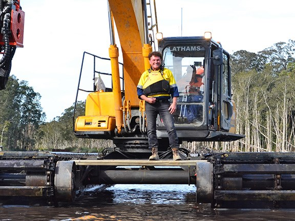 Ron Horner couldn't wait to demonstrate the capabilities of the Zhenyu ZY210SD4 floating excavator.