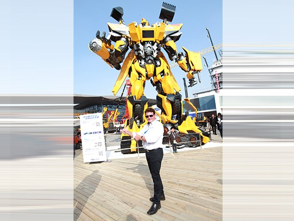 Bauma China 2014: What would a Chinese expo be without a giant Transformer?