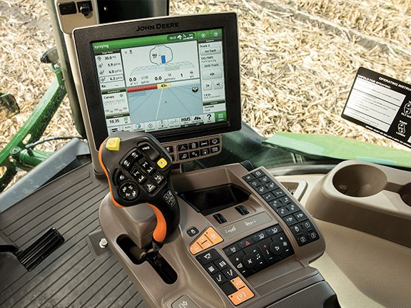 John Deere CommandView III cab