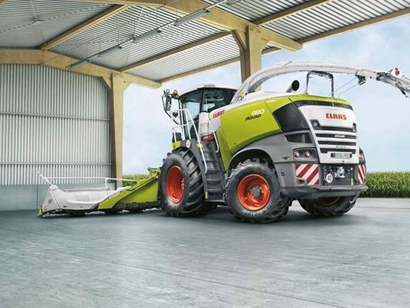 Claas Jaguar 900 forage harvester