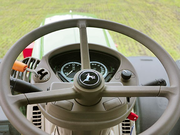 The tilt and telescopic steering wheel puts control firmly in the hands of the operator