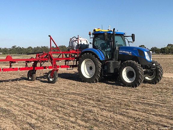 The Croplands WeedIt PhantomDrive in action on a New Holland T7.200 tractor