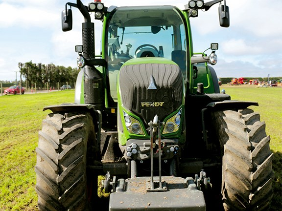 The 1250kg weight block was the perfect ballast for the Fendt during our testing