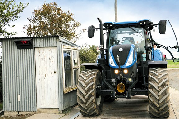 New Holland T7 225 tractor review|Test & Specs
